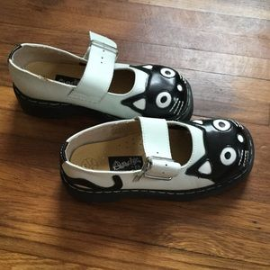 anarchic Shoes - Awesome anarchic kitty shoes